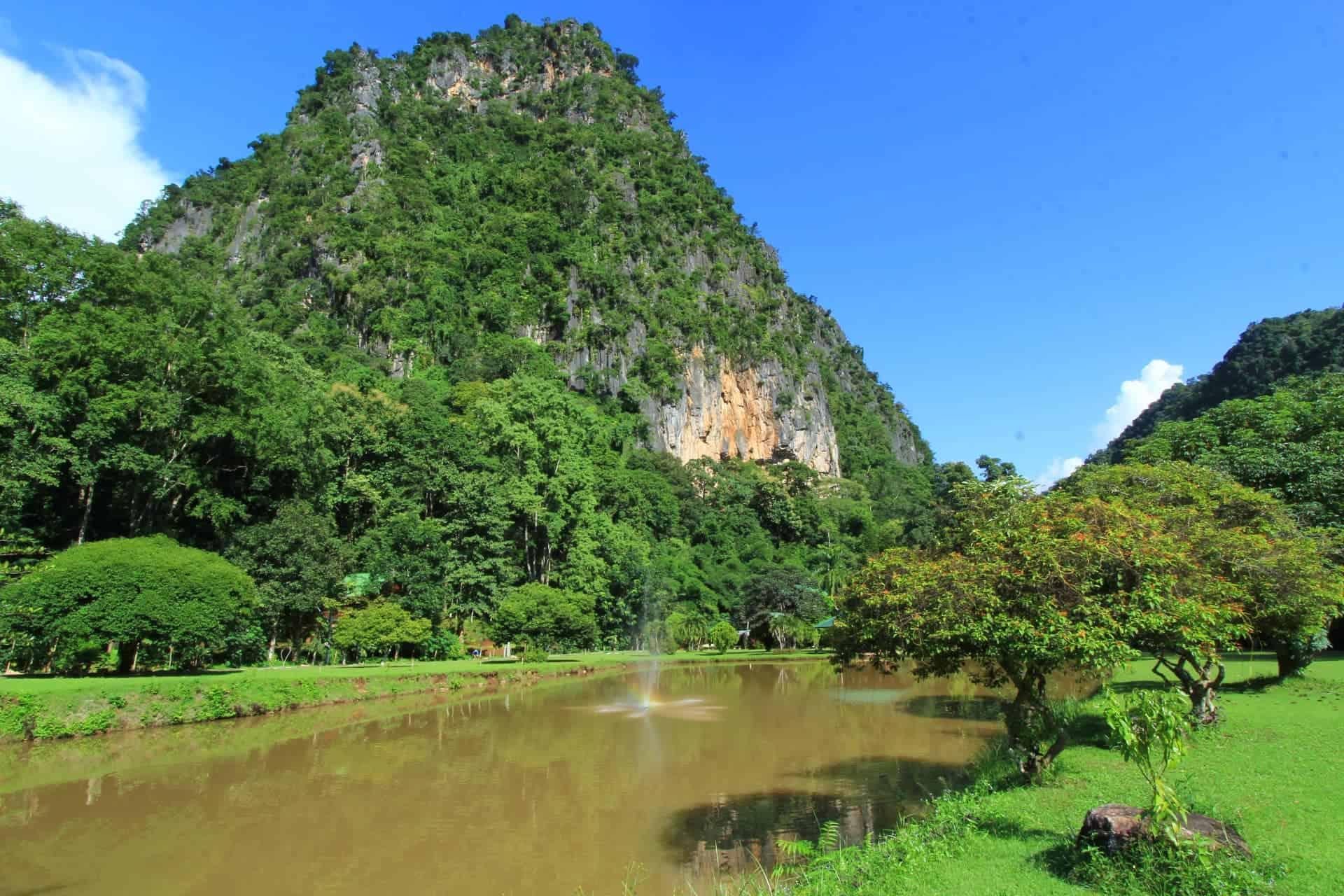 Wat Pa Tam Wua vienuolynas